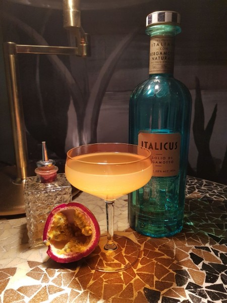 Sixty-Bottles-Florian-Geschka-Theresa-Bar-Vermouth-Italicus-Champagner